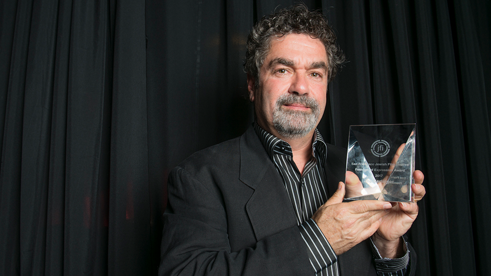 Documentarian Joe Berlinger accepts the Freedom of Expression Award